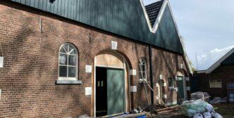 Niehof maakt begin met Niendeuren Groothuis Timmerfabriek